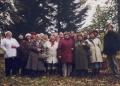 Pie Talsu muzeja draudzes rīkotā izbraukuma laikā 2002. gada 16. oktobrī, labajā pusē mācītājs Mārcis Zeiferts